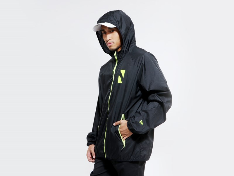 New Era N Triangle NE Tech Packable Black Jacket