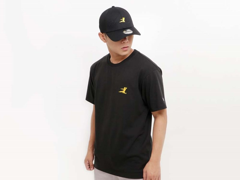 Bruce Lee Flying Man Mini Logo Front Be Water My Friend Back Short Sleeve Black Shirt