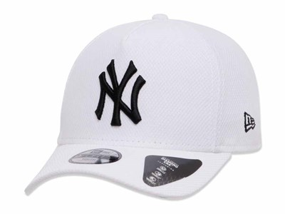 New York Yankees MLB Diamond Era Blue Logo White 9FORTY Youth Kids Cap