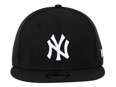 ... New York Yankees MLB Black 9FIFTY Cap (ESSENTIAL) 1a1e0bcdeb6f
