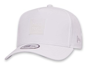New Era NYC Clear Badge White 9FORTY K-Frame Cap