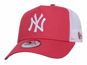 New York Yankees MLB League Essential Trucker Pastel Pink 9FORTY A-Frame Cap